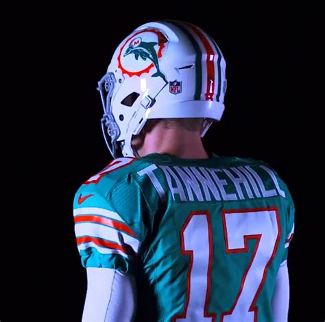 Miami Dolphins paint their field in throwback design for