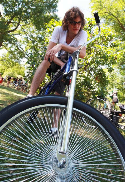 Vintage bicycle show: Toronto bike enthusiasts fawn over