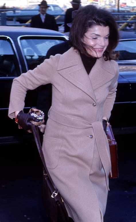 Trench Coats   Jackie Kennedy Onassis Style Pictures